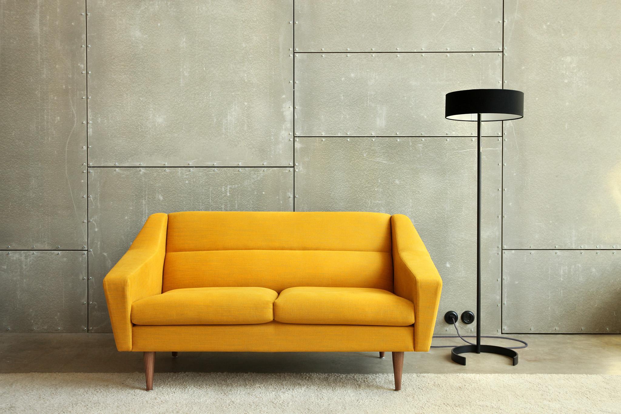 sohva sofa diivan põrandalamp floor lamp
